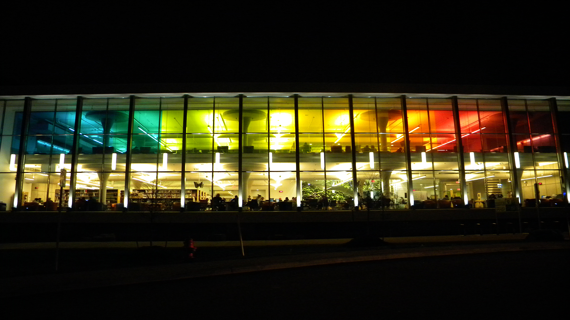 Cummings Library and Collaboratory at night