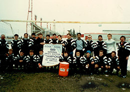team photo of the 1989 soccer team