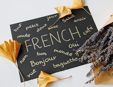 A sign with French words on it