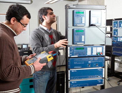 Two people working in an iDEAWorks Lab