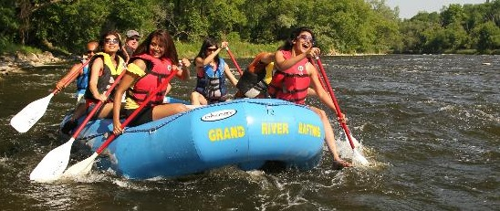 students rafting with grand-river-rafting company